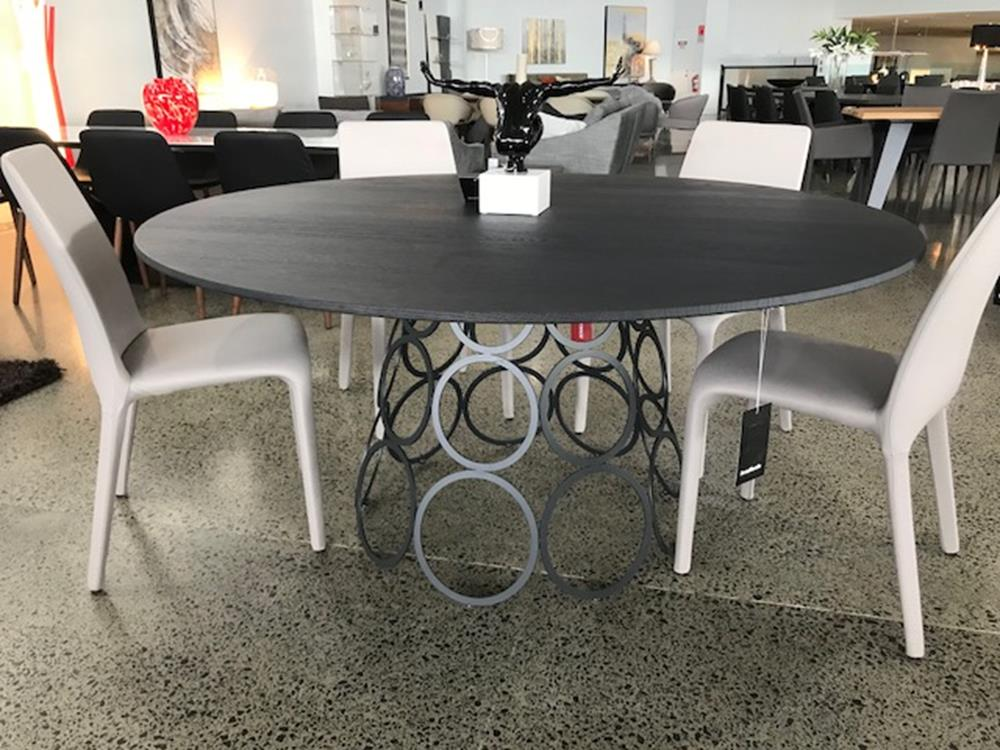 HULAHOOP DINING TABLE